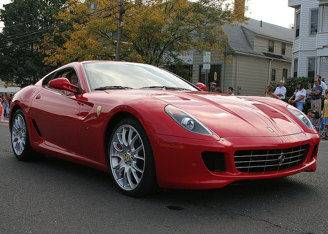3 Reasons You Don't Want a Red Ferrari